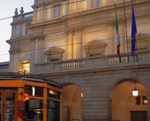 Teatro alla Scala, Facade