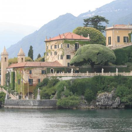 Day trip to Lake Como with boat trip and tasting