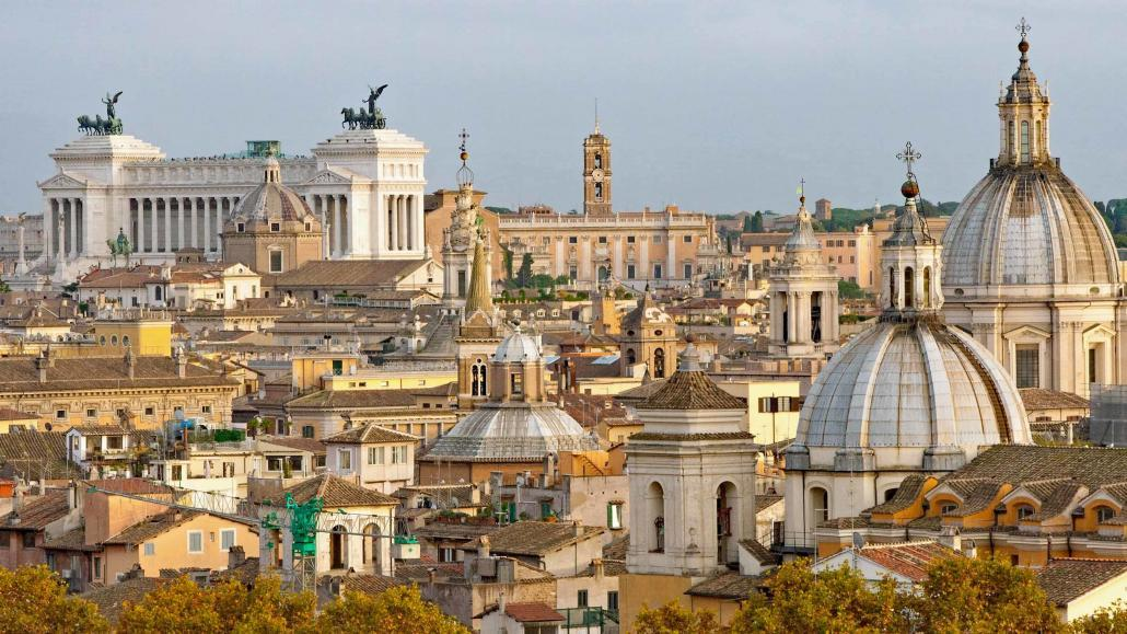 Panoramic view in Rome from Janiculum Hill (Gianicolo) above Trastevere