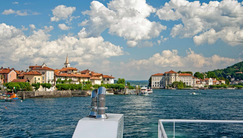 On the Maggiore Lake Islands there are little islands called Isole Borromee.