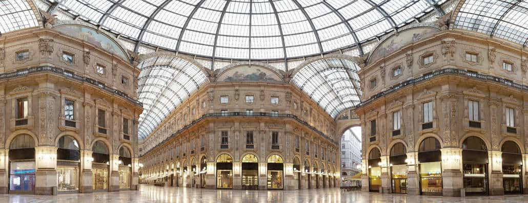 The Galleria Vittorio Emanuele II is an elegant shopping arcade. It houses some of the most luxurious boutiques in Milan.